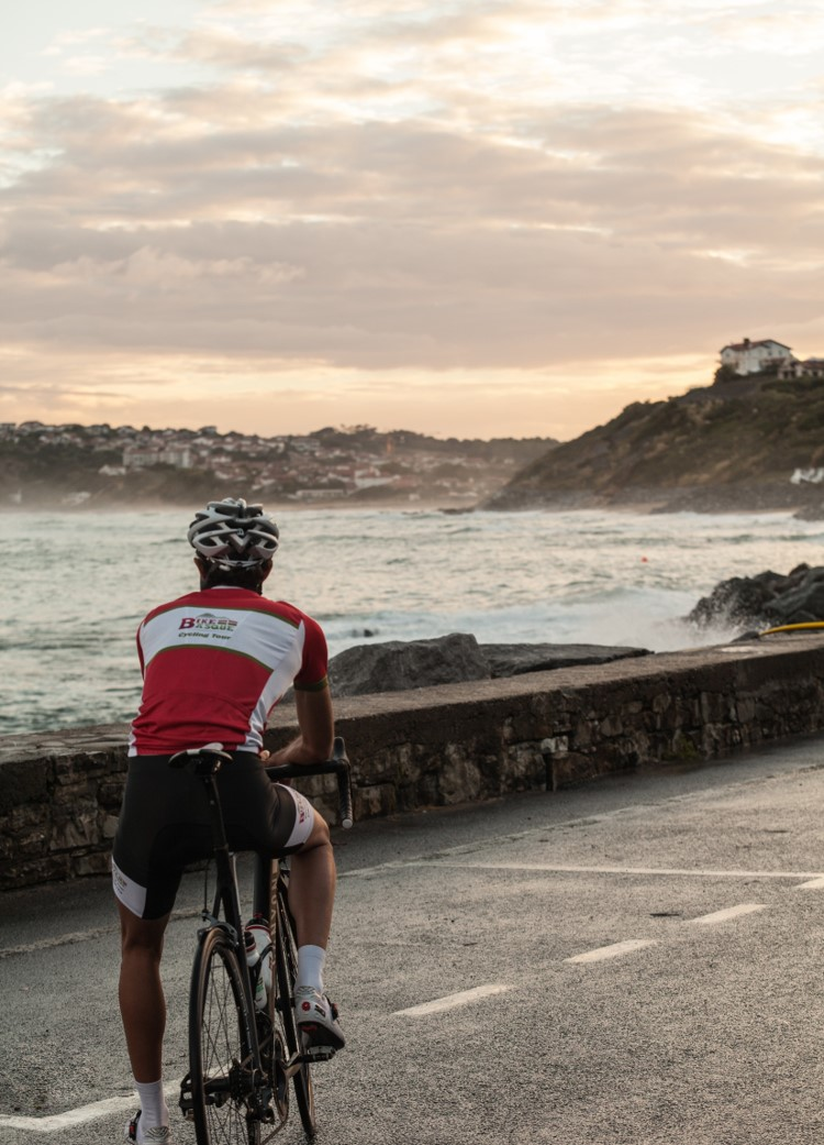 8cf345ae6 Cycling in the Basque Country
